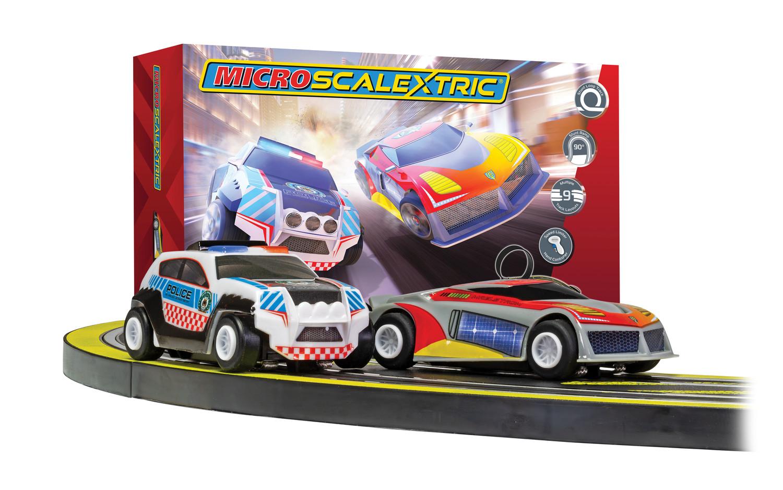 1/64 Autodráha MICRO SCALEXTRIC G1149P - Law Enforcer Mains Powered Race Set