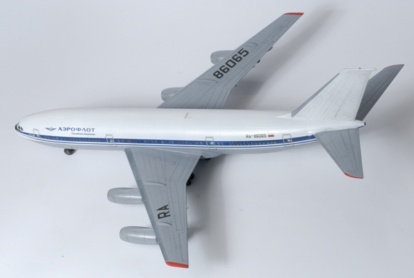 1:144 Civil Airliner Illyushin IL-86